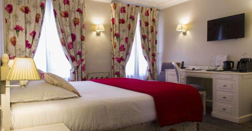 Hôtel Queen Mary - habitación